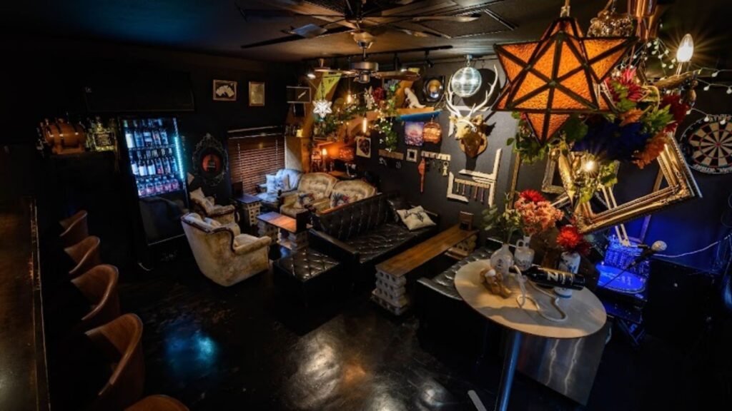 An Evening of unique bars in Tokyo Jam Lounge