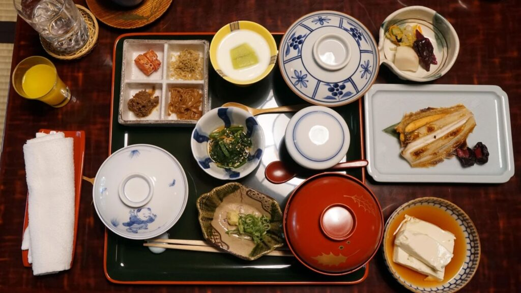 Japanese Phrases For Your Night Out in Tokyo Itadakimasu
