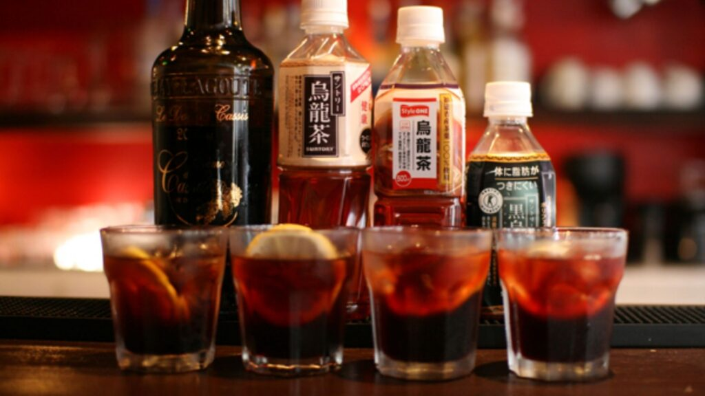 Food and drinks you should try at an izakaya Cassis
