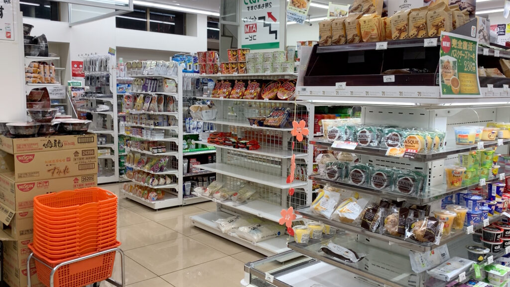 Is Tokyo expensive_ Unbelievably affordable ways to get around Japan convinience store
