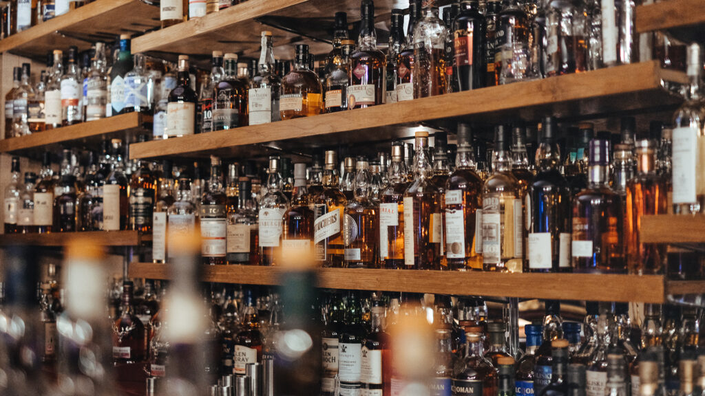 All-you-can-drink in Japan, All you need to know and the best places alcohol cabinet