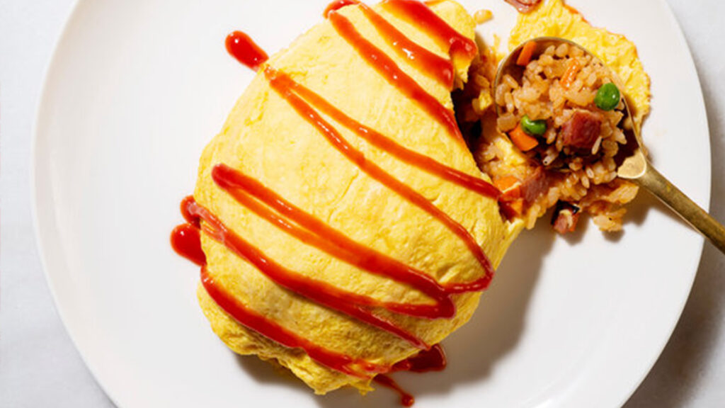 Japanese things you can do during lockdown, Japanese food and drinks Omelette rice omurice