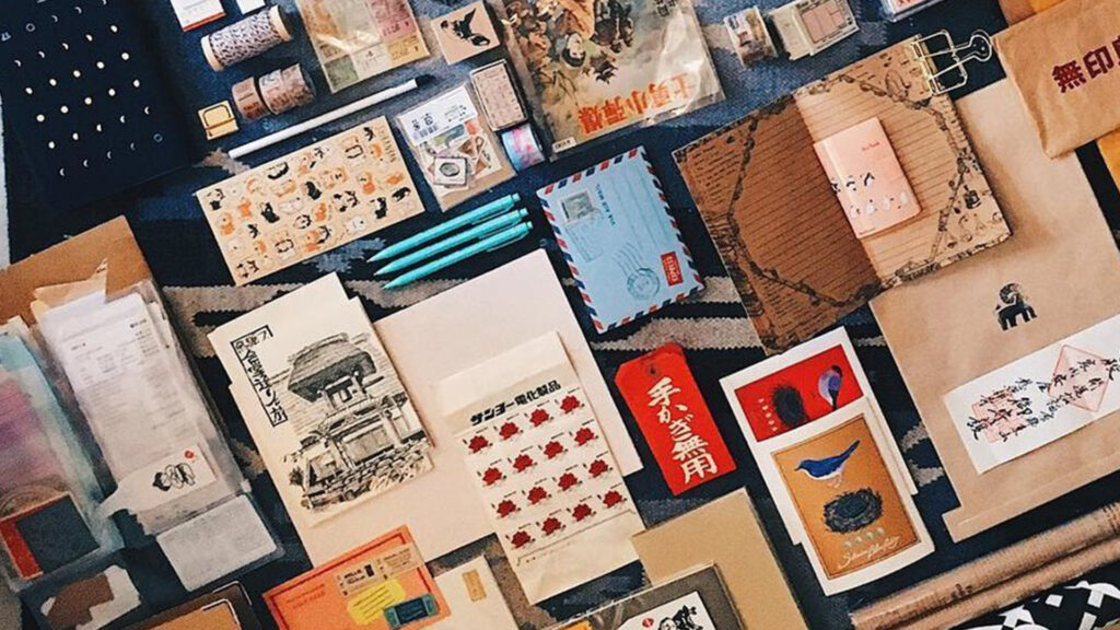 Buy stationery as souvenirs in Japan