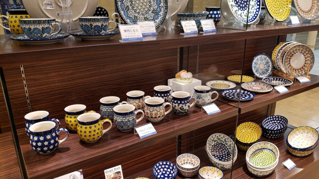 Cups and plates at shops